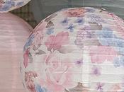décoration Shabby Chic avec lanternes motifs floraux