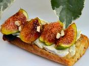 Tartine fromage chèvre figues, miel noisettes