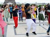 bien dansez Bollywood maintenant Avec nouveaux cours danses Indiennes Paris