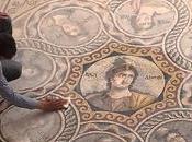 vieilles mosaïques anciennes sauvées d'une inondation: après 2000 ans, l'état conservation incroyable