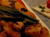 Rôti seitan champignons, croûte, avec carottes Hasselback, pommes terre écrasées, fromage végétal