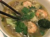 Bouillon thaï crevettes vermicelles légumes