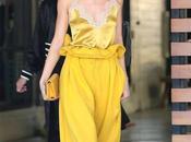 Kendall Jenner portait jaune tête pieds sans effort