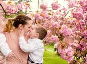 Photographe bebe séance photo famille sous cerisiers Sceaux