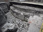 Archéologie ancien temple terrain aztèques découverts Mexico