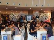 Thailande confection millions fleurs crémation pour Rama