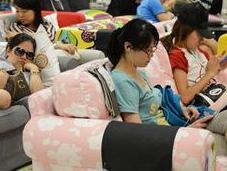 Canicule Shanghai, réfugie chez IKEA pour faire siestes climatisées