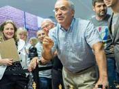 Echecs Garry Kasparov joue soir