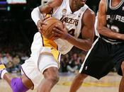 Report Angeles Lakers taille Patron! LeBron tranchant!