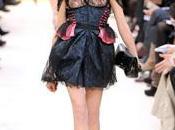 derniers défilés Automne-Hiver 2009 avec Louis Vuitton John Galliano
