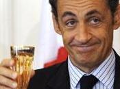 Sarkozy droit l'ironie