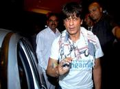 [PHOTOS]Shahrukh, Hrithik grace late Feroz Khan's prayer meet