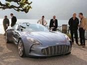 L'Aston Martin One-77 nous dévoile enfin charmes.