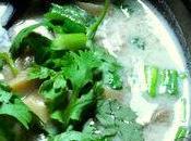 Soupe thaïe poulet, lait coco citronnelle