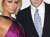 Paris Hilton décroche prix Fifi Awards