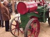 Plouigneau. festival belles mécaniques Village Breton