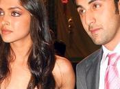 Deepika Padukone surprend petit-ami Ranbir Kapoor.