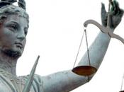 Publier roman France faites-le relire avocat