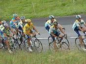 Lance Armstrong critique Alberto Contador.