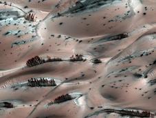 Paysages martiens surprenants photographiés Mars Reconnaissance Orbiter