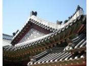 Kouchner Corée pour évoquer manuscrits royaux