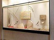 Salle vitrine fragment peint 13101)