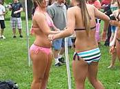 plus grand défilé filles bikini