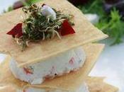 Millefeuille surimi façon cheesecake, petite salade vinaigrette Rhubarbe
