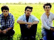 Jonas Brothers Justin Bierber Taylor Lautner leur font l'ombre