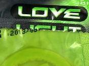 Preservatif fluo dans noir