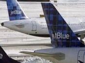 Quand steward Blue lâche» l'aéroport York… Génial
