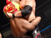 Kane triomphe Kofi Kingston