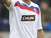 suivi match Glasgow avec amis, Bougherra tire chapeau Kabyles»