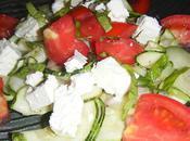 Salade courgettes basilic citron feta tomates