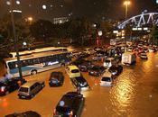 Pluies torrentielles Rio, tout monde maison