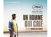 homme crie
