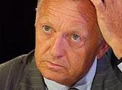 Jean-Michel Aulas veut rapprocher terrain (Mauvaise nouvelle pour football