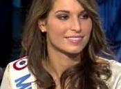 Miss France 2011, Laury Thilleman chute chez Ruquier (VIDEO)