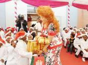 Chantal Biya préside cérémonie l'arbre Noël chez Coccinelles