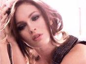 Megan Elle affiche belle bouille pour Armani