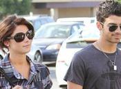 Jonas prend soin d'Ashley Greene