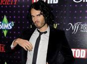 Russell Brand ''Justin Bieber Curly place pénis''