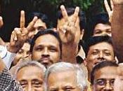 Muhammad Yunus, microcrédit mégaprofits