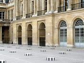 colonnes Daniel Buren deux plateaux