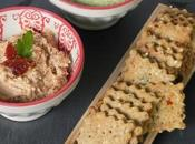 Amaranth chia seeds crackers (gluten-free eggless) with dips graines amarante, avec deux