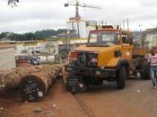 camion accidenté abandonné depuis mois virage Mbankomo
