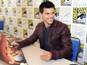 Kris Stewart, Taylor Lautner Robert Pattinson signing autographs Comic