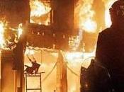 Violentes émeutes dans banlieue Londres