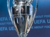 Arsenal s'impose Marseille, Chelsea cartonne
