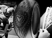 tatouage signé Scott Campbell pneu